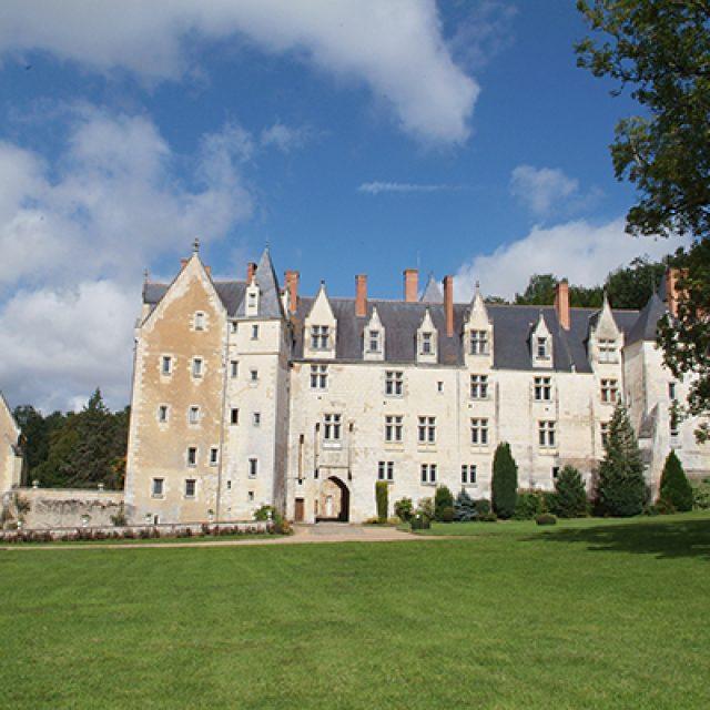 Randonnée, visite commentée de Bessé sur Braye et visite du château de Courtanvaux